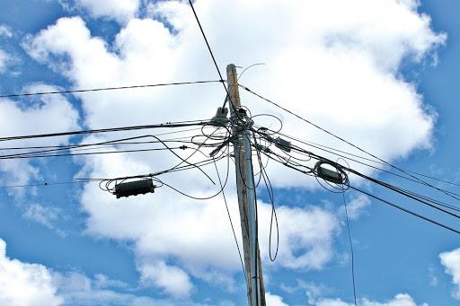 Enfouissement des réseaux électriques et téléphoniques